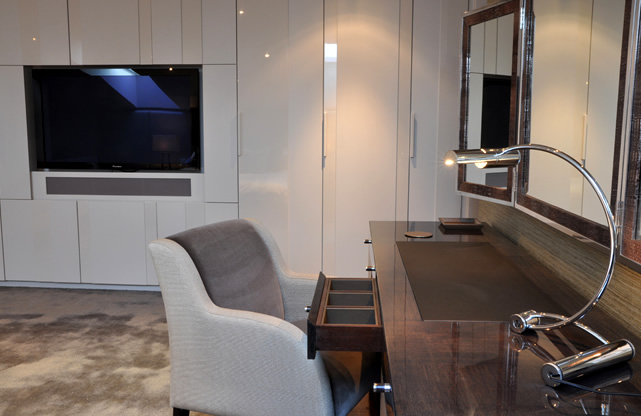 Make the most of home offices with bespoke office furniture