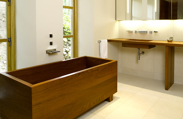 Incorporating Wood Baths into Your Bathroom